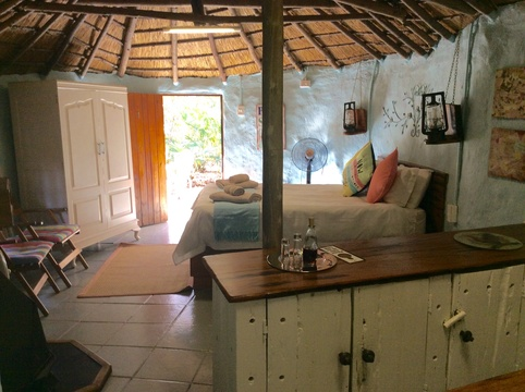 The Hut, 2-sleeper rustic thatched rondawel @ Winterton Country Lodge